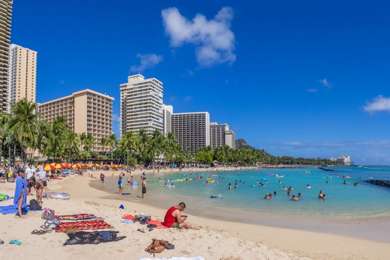 move from california to hawaii